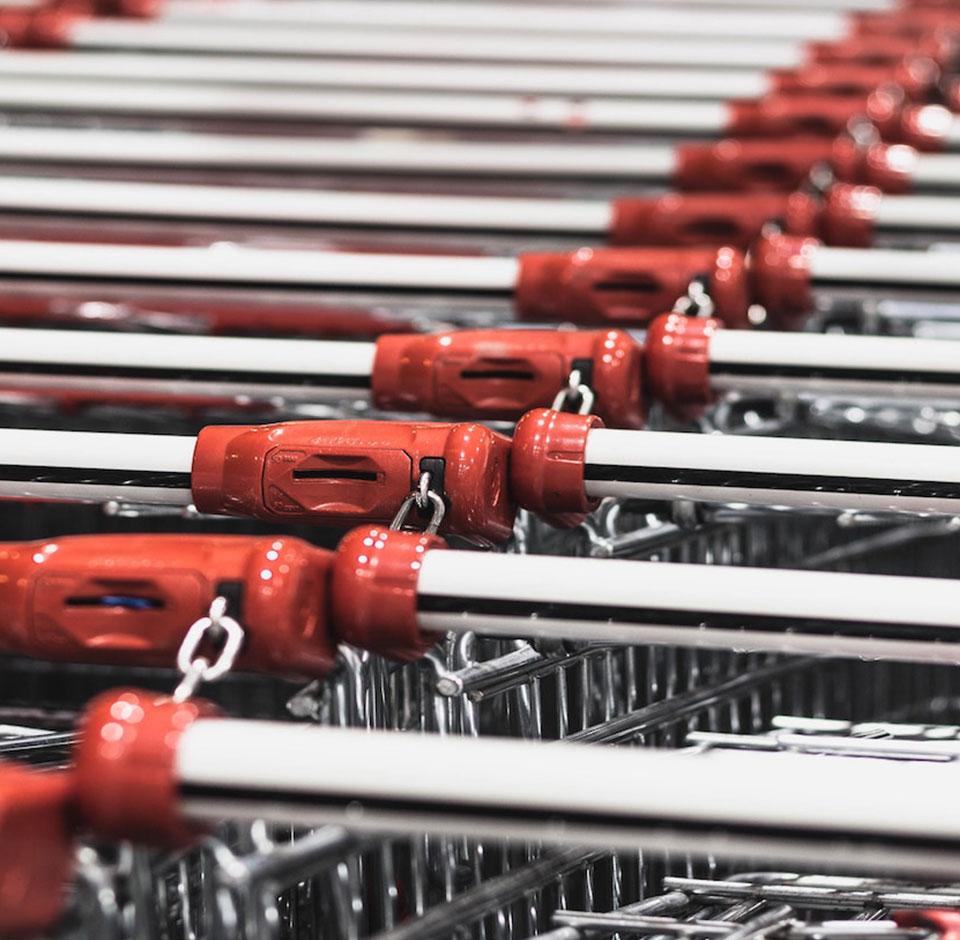 Tuko Logistics - lähikuvassa kaupan ostoskärryjä