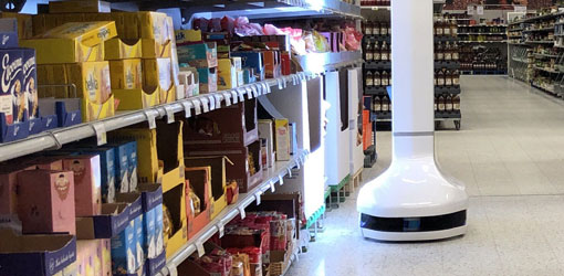 Solteq news - Solteq Retail Robot scanning product shelves