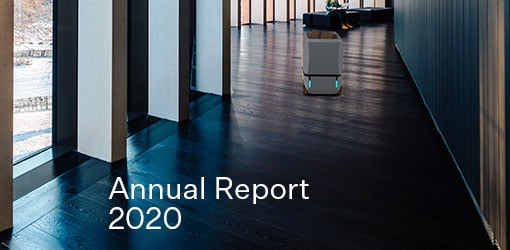 Solteq Annual Report cover page with Solteq Logistics Robot